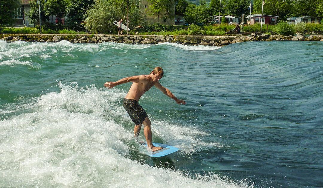 Fluss-Surfen